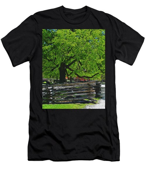 Tree With Colonial Fence Men's T-Shirt (Athletic Fit)