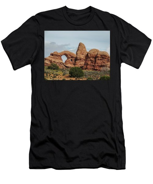 Turret Arch Men's T-Shirt (Athletic Fit)