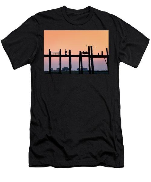 U-bein Bridge At Dawn Men's T-Shirt (Athletic Fit)