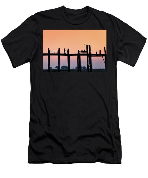 U-bein Bridge At Dawn Men's T-Shirt (Athletic Fit)