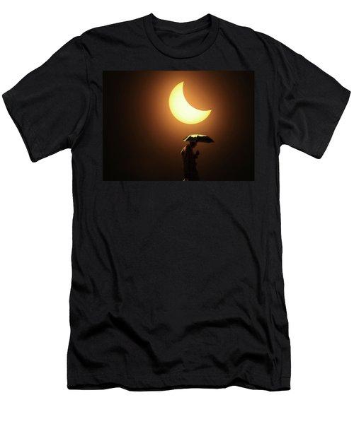 Umbrella Man Eclipse Men's T-Shirt (Athletic Fit)