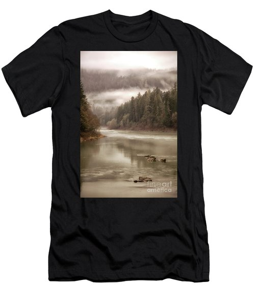 Umpqua River Fog Men's T-Shirt (Athletic Fit)