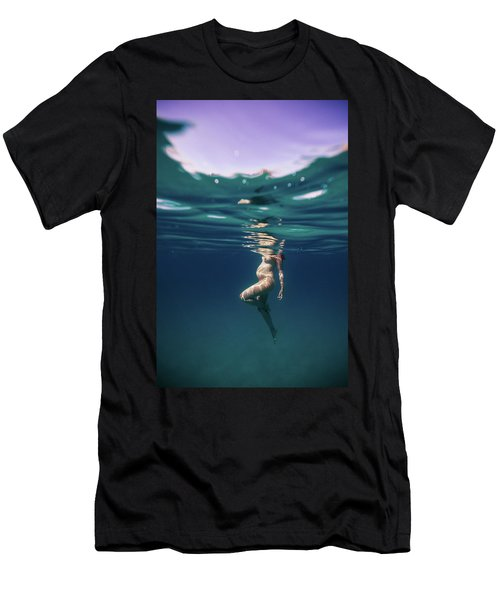 Underwater Pregnant Men's T-Shirt (Athletic Fit)