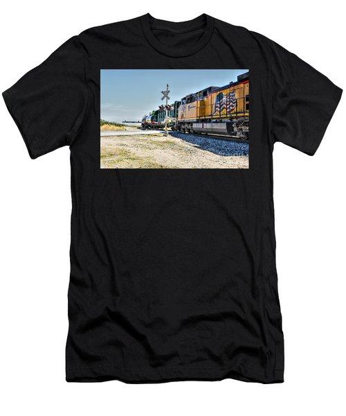 Union Pacific Men's T-Shirt (Athletic Fit)