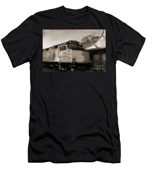 Union Station Train Men's T-Shirt (Athletic Fit)