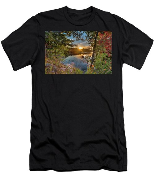 Up Early For The Start Of Fall Color... Men's T-Shirt (Athletic Fit)