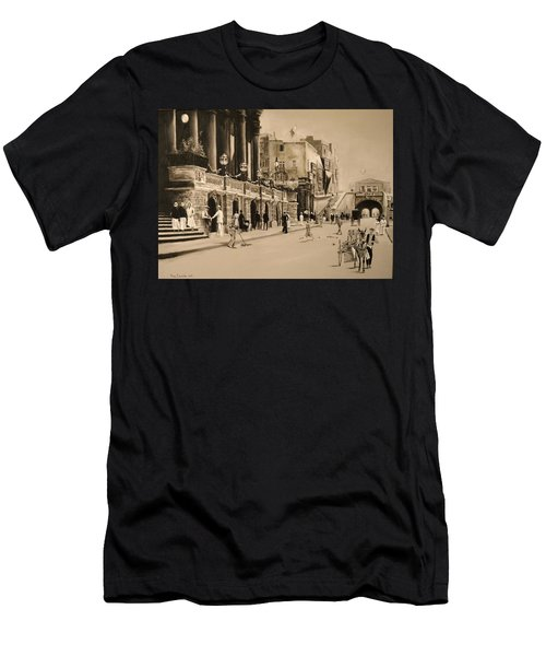 Valletta Entrance 1935 Men's T-Shirt (Athletic Fit)