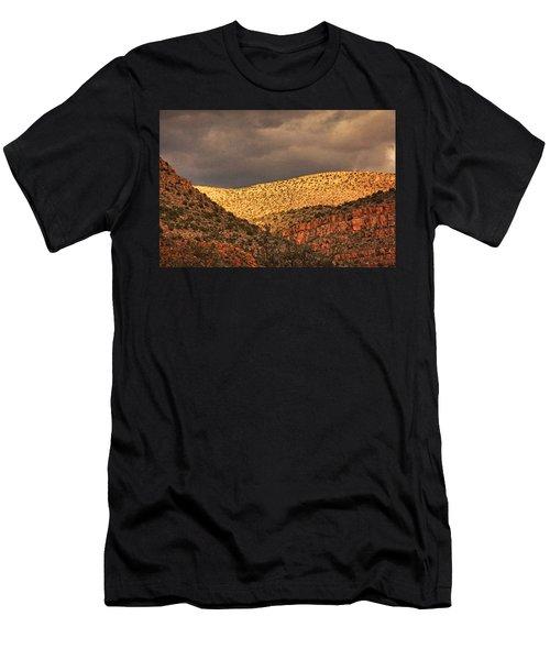 Verde Canyon View Txt Men's T-Shirt (Athletic Fit)