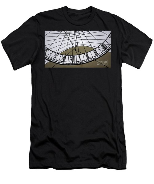 Vertical Sundial - Vertikale Sonnenuhr Men's T-Shirt (Athletic Fit)