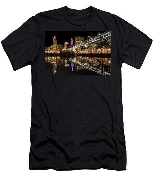 Veterans Memorial Bridge Men's T-Shirt (Athletic Fit)