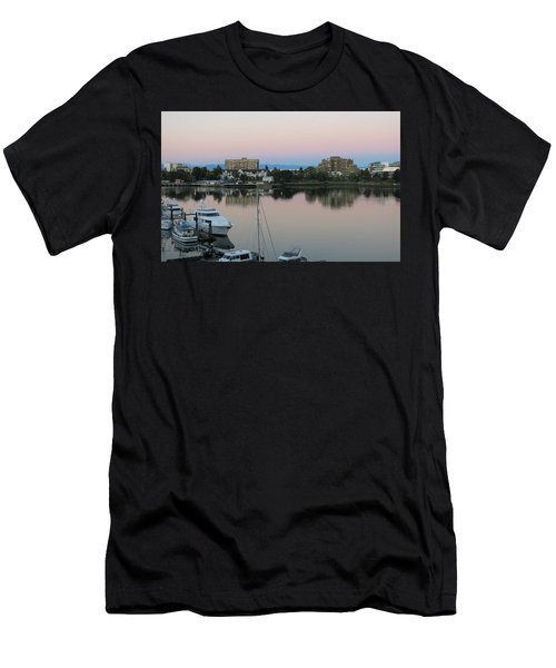 Victoria Harbor Dawn Men's T-Shirt (Athletic Fit)