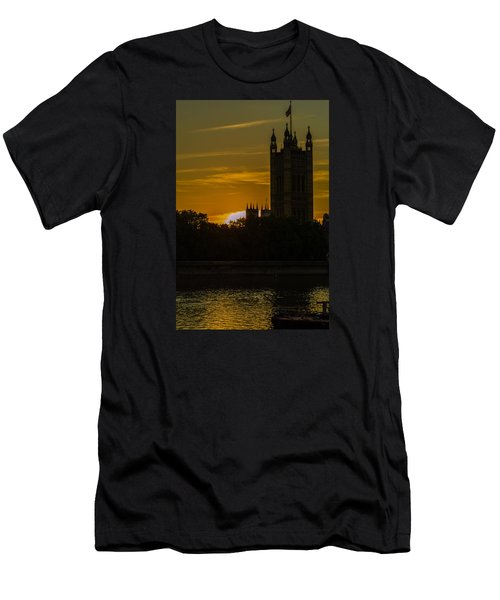 Victoria Tower In London Golden Hour Men's T-Shirt (Athletic Fit)