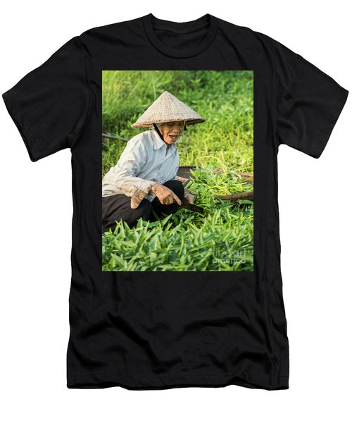 Vietnamese Woman In Rice Paddy Men's T-Shirt (Athletic Fit)