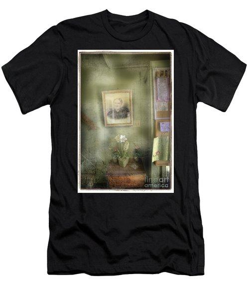 Vinalhaven Mother Men's T-Shirt (Athletic Fit)