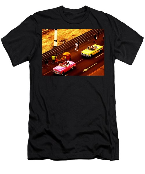 Vintage American Cars In Havana  Men's T-Shirt (Athletic Fit)