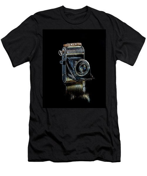 Vintage Camera  Men's T-Shirt (Athletic Fit)