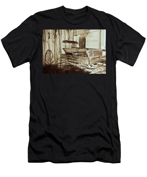 Vintage Carriage Men's T-Shirt (Slim Fit) by Ray Shrewsberry