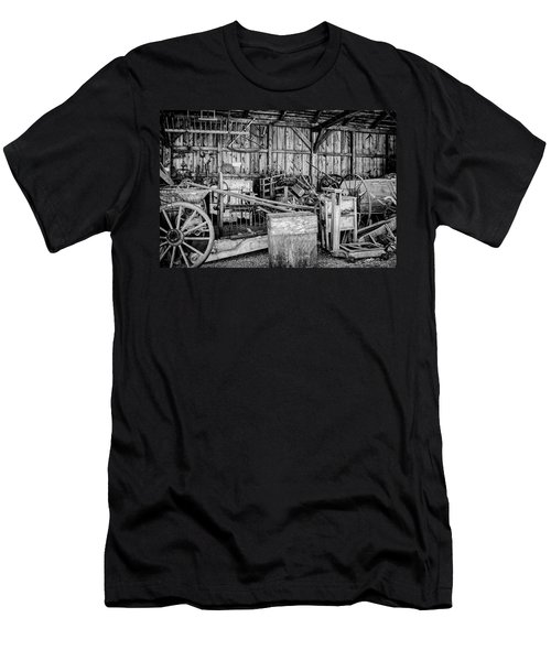 Vintage Farm Display Men's T-Shirt (Athletic Fit)