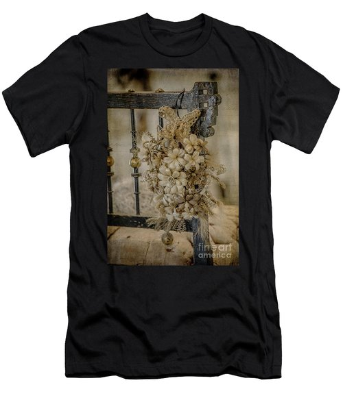 Vintage Floral Swag On A Bedpost Men's T-Shirt (Athletic Fit)
