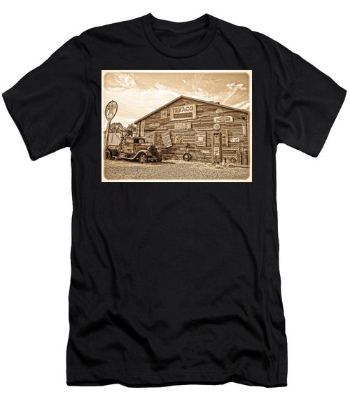 Vintage Service Station Men's T-Shirt (Athletic Fit)