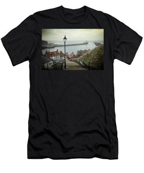 Vintage Whitby Men's T-Shirt (Athletic Fit)