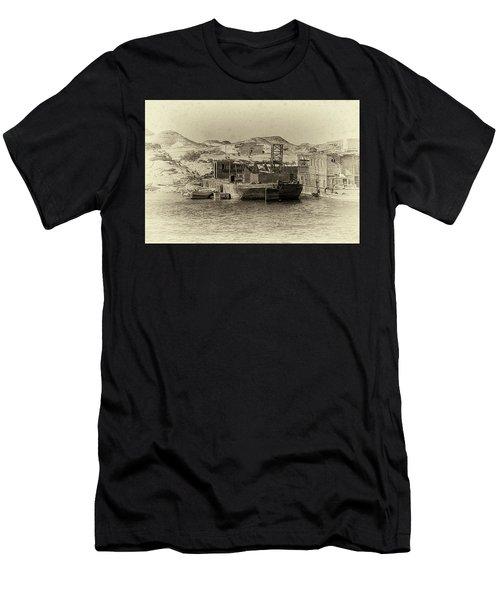 Wadi Al-sebua Antiqued Men's T-Shirt (Athletic Fit)
