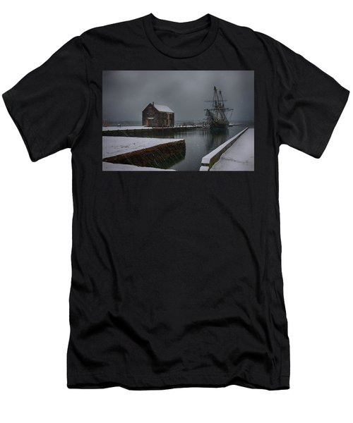 Waiting Quietly Men's T-Shirt (Athletic Fit)