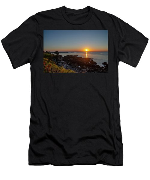 Walkers Point - Sunrise In Kennebunkport Maine Men's T-Shirt (Athletic Fit)