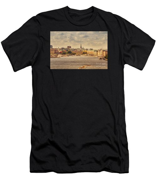 Warm Stockholm View Men's T-Shirt (Athletic Fit)