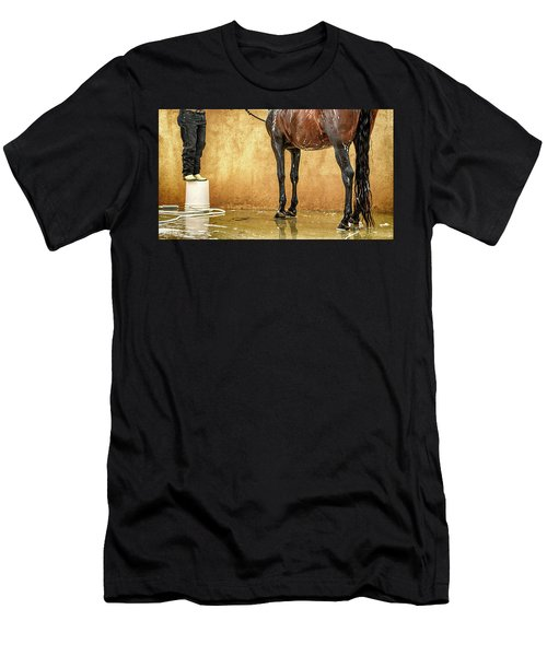 Washing A Horse Men's T-Shirt (Athletic Fit)