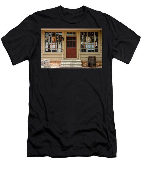 Waters Storehouse Colonial Williamsburg Men's T-Shirt (Athletic Fit)