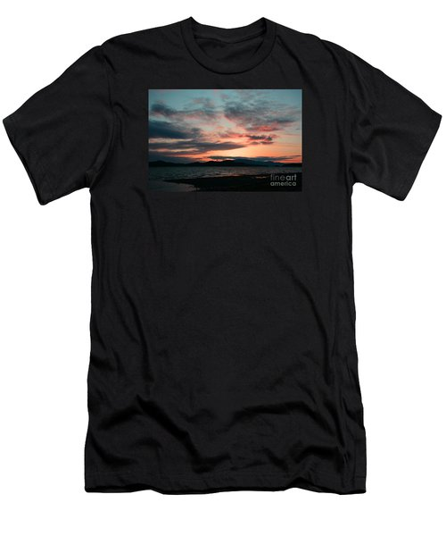 Welcome Beach Sunset 2015 Men's T-Shirt (Athletic Fit)