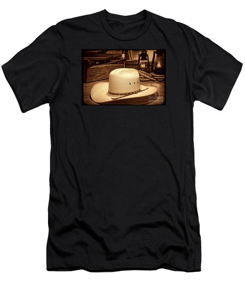 White Cowboy Hat In A Barn Men's T-Shirt (Athletic Fit)