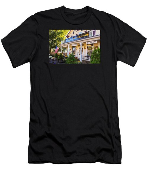 Williamsburg General Store Mass Men's T-Shirt (Athletic Fit)