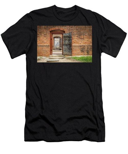 Williamsburg Public Gaol Men's T-Shirt (Athletic Fit)