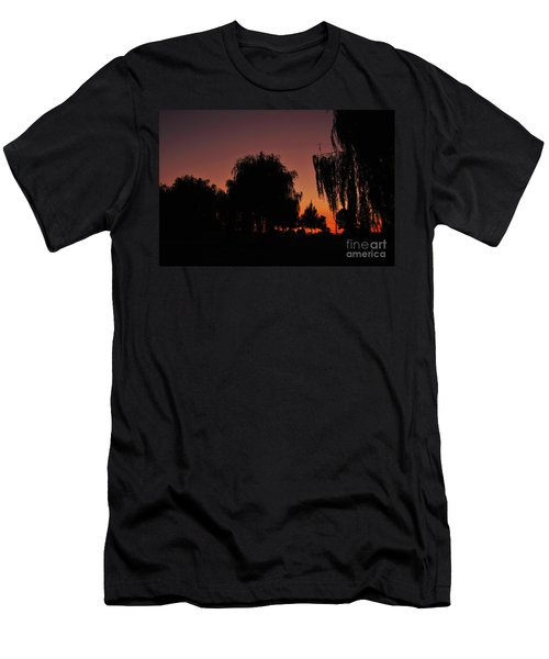 Willow Tree Silhouettes Men's T-Shirt (Athletic Fit)