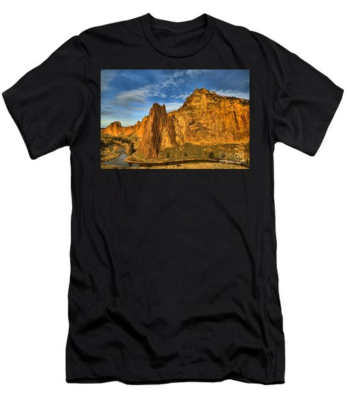 Winding Crooked River Men's T-Shirt (Athletic Fit)