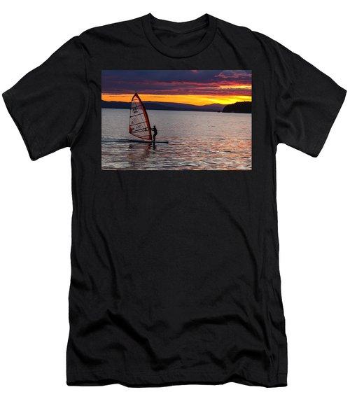 Windsurfing Lake Champlain Men's T-Shirt (Athletic Fit)