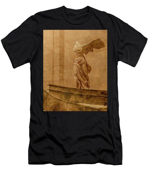 Paris, France - Louvre - Winged Victory Men's T-Shirt (Athletic Fit)