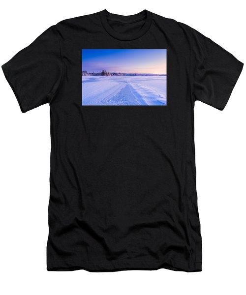Winter Morning Baxter Lake Nh Men's T-Shirt (Athletic Fit)