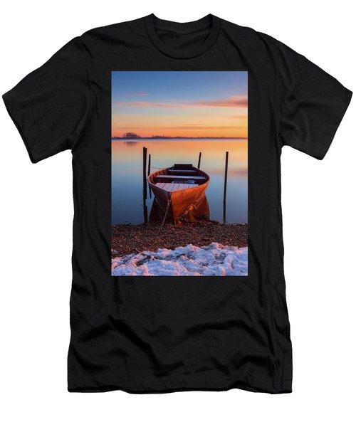 Winter Sunbathing Men's T-Shirt (Athletic Fit)