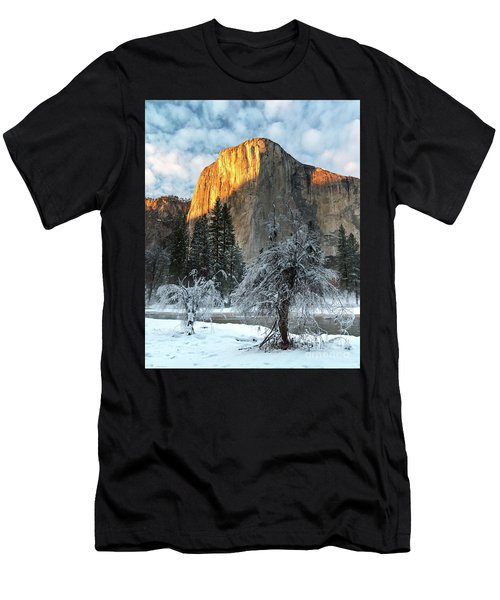 Winter Sunset Men's T-Shirt (Athletic Fit)