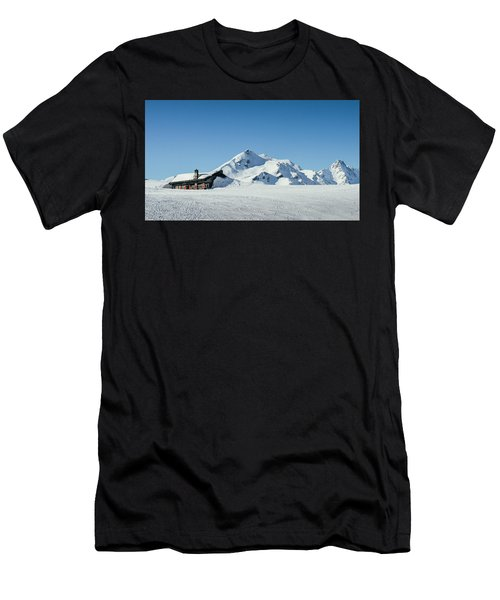 Wooden Alpine Cabin  Men's T-Shirt (Athletic Fit)