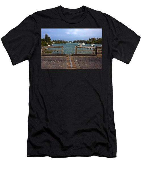 World's Smallest Drawbridge Men's T-Shirt (Athletic Fit)