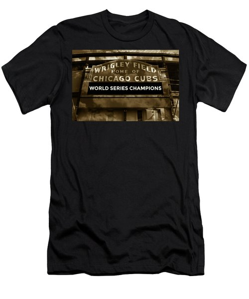 Wrigley Field Sign - Vintage Men's T-Shirt (Athletic Fit)
