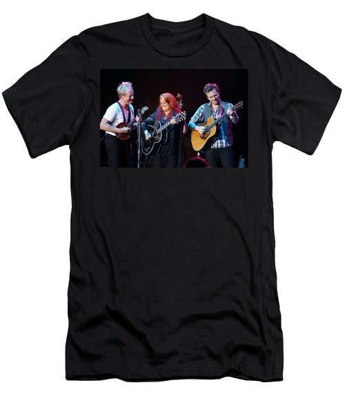 Wynonna Judd In Concert With Hubby Cactus Moser And Band Guitarist Men's T-Shirt (Athletic Fit)
