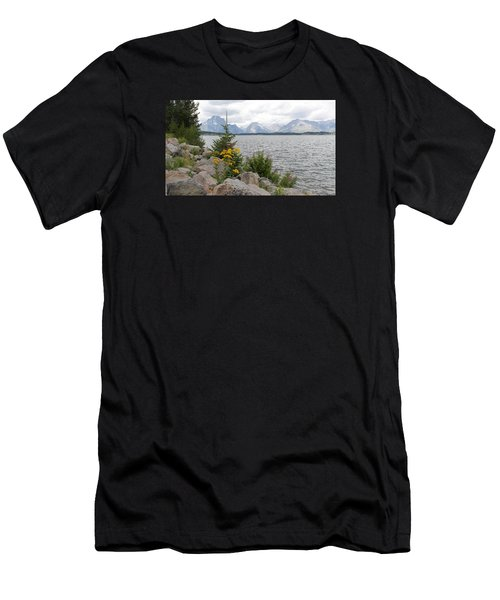 Wyoming Mountains Men's T-Shirt (Slim Fit)