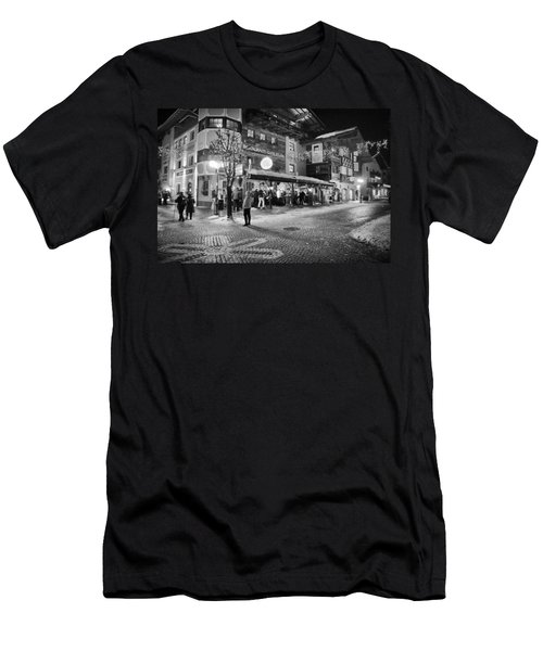 Xroads@hinterglemm Men's T-Shirt (Athletic Fit)