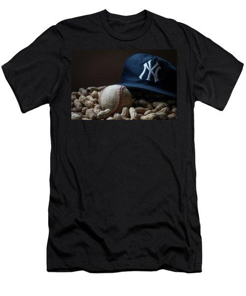 Yankee Cap Baseball And Peanuts Men's T-Shirt (Athletic Fit)