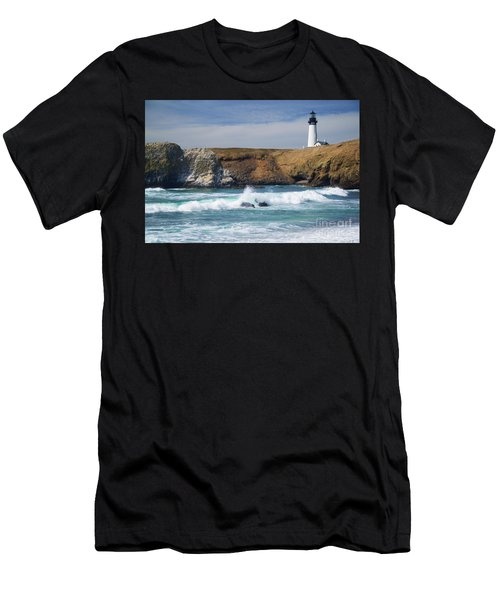 Yaquina Head Lighthouse On The Oregon Coast Men's T-Shirt (Athletic Fit)